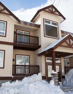 niseko_alpine_apartments_exterior_day_190515_large